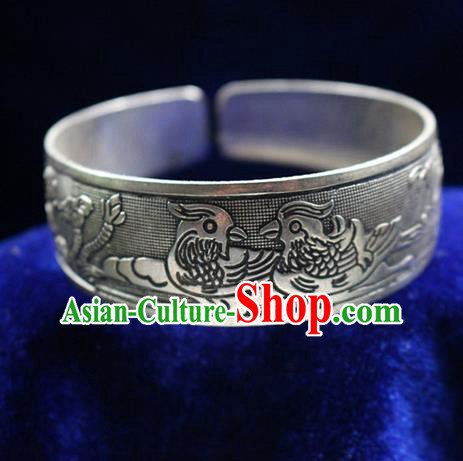 Traditional Chinese Miao Nationality Crafts Jewelry Accessory Bangle, Hmong Handmade Miao Silver Mandarin Duck Bracelet, Miao Ethnic Minority Silver Bracelet Accessories for Women