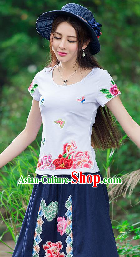 Traditional Chinese National Costume, Elegant Hanfu Embroidery Flowers Butterfly White T-Shirt, China Tang Suit Republic of China Blouse Cheongsam Upper Outer Garment Qipao Shirts Clothing for Women