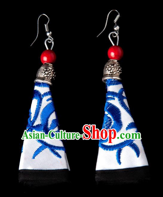 Traditional Chinese Miao Nationality Crafts, Hmong Handmade Miao Silver Embroidery White Earrings Pendant, China Ethnic Minority Eardrop Accessories Earbob Pendant for Women
