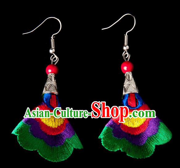 Traditional Chinese Miao Nationality Crafts, Yunnan Hmong Handmade Embroidery Flower Linen Green Earrings Pendant, China Ethnic Minority Eardrop Accessories Earbob Pendant for Women