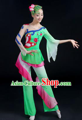 Traditional Chinese Yangge Fan Dancing Costume, Folk Dance Yangko Costume Drum Lotus Dance Green Clothing for Women
