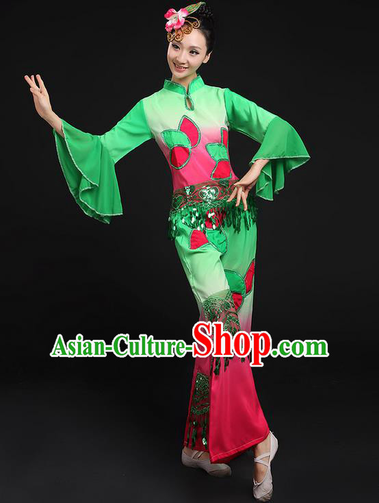 Traditional Chinese Yangge Fan Dancing Costume, Folk Dance Yangko Lotus Paillette Uniforms, Classic Umbrella Dance Elegant Dress Drum Dance Green Clothing for Women