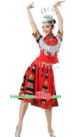 Traditional Chinese Miao Nationality Dancing Costume, Hmong Female Folk Dance Ethnic Short Red Pleated Skirt, Chinese Minority Nationality Embroidery Costume for Women