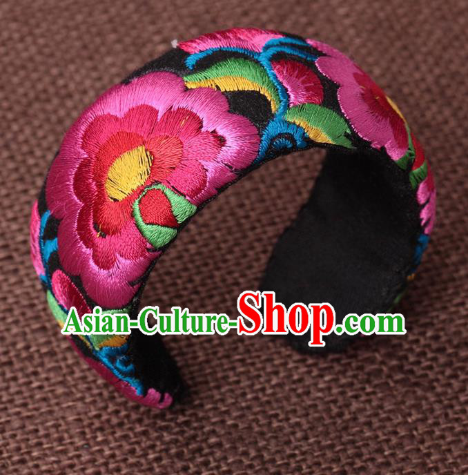 Traditional Chinese Miao Nationality Crafts, Hmong Handmade Miao Silver Embroidery Pink Bracelet, Miao Ethnic Minority Bangle Accessories for Women
