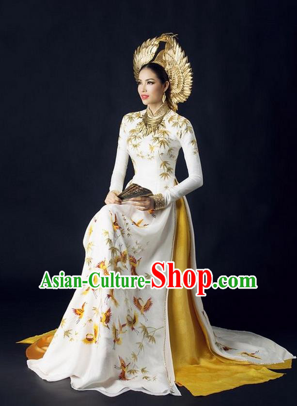 Top Grade Asian Vietnamese Traditional Dress, Vietnam National Queen Ao Dai Dress, Vietnam Palace Royal Empress White Ao Dai Cheongsam Dress Clothing for Woman