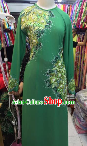 Traditional Top Grade Asian Vietnamese Costumes Classical Wedding Bride Embroidery Beading Cheongsam, Vietnam National Green Ao Dai Dress for Women