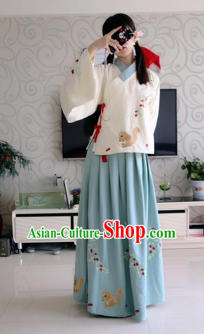Traditional Chinese Ancient Ming Dynasty Young Lady Costumes, China Princess Hanfu Embroidered Squirrel Slant Opening Blouse and Ru Skirt Complete Set for Women