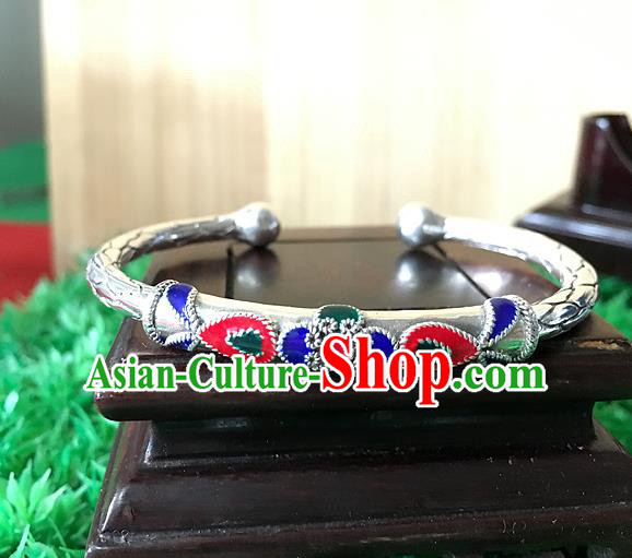 Traditional Chinese Miao Nationality Accessories Bracelet, Hmong Female Ethnic Pure Sliver Bangle for Women