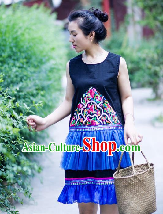 Traditional Chinese National Costume Lace Dress, Elegant Hanfu China Miao Nationality Embroidered Blue Dress for Women