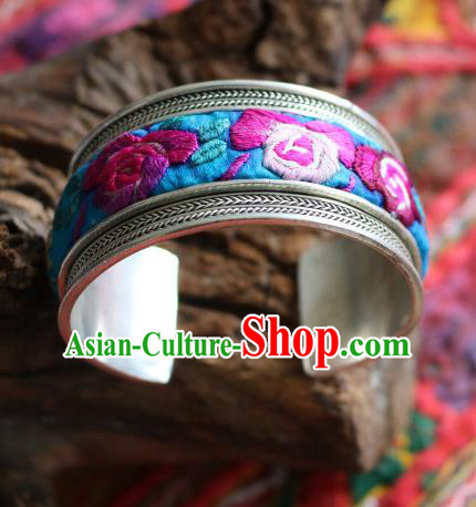 Traditional Handmade Chinese National Miao Nationality Sliver Bracelet Embroidery Bangle for Women