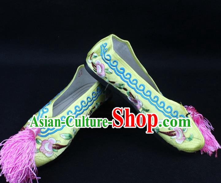 Traditional China Beijing Opera Hua Tan Embroidered Yellow Shoes, Ancient Chinese Peking Opera Young Lady Diva Princess Blood Stained Shoes