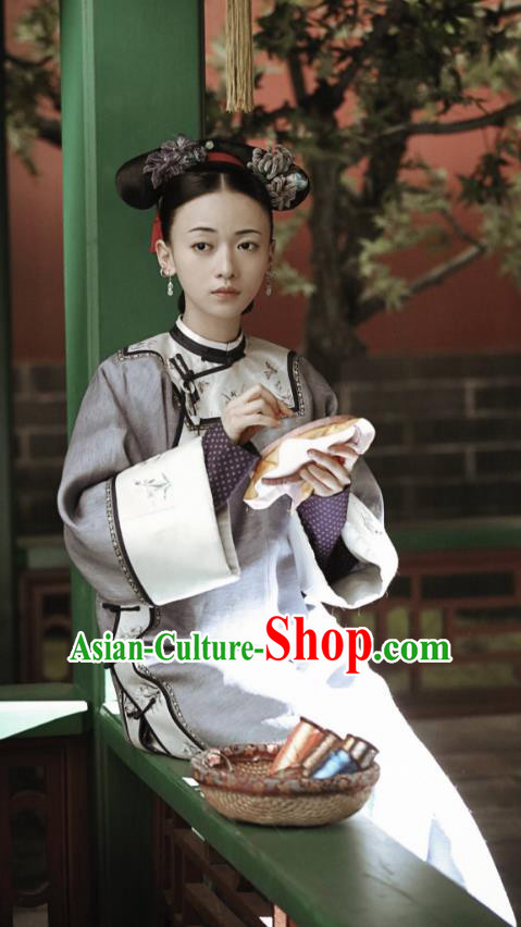 Story of Yanxi Palace Traditional Ancient Chinese Qing Dynasty Manchu Palace Lady Costume, Chinese Mandarin Robes Imperial Concubine Embroidered Dress Clothing for Women