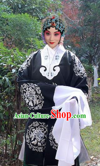 Traditional China Beijing Opera Old Lady Pantaloon Costume Black Embroidered Cape, Ancient Chinese Peking Opera Female Embroidery Dress Clothing
