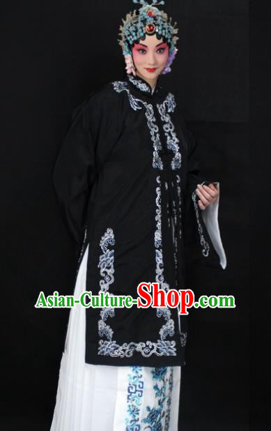 Traditional China Beijing Opera Young Lady Hua Tan Costume Black Embroidered Shawl, Ancient Chinese Peking Opera Female Diva Embroidery Dress Clothing