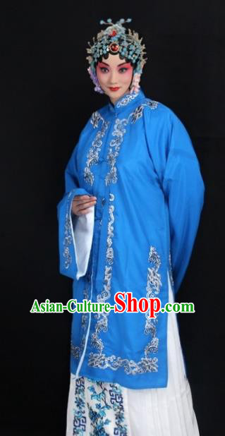 Traditional China Beijing Opera Young Lady Hua Tan Costume Blue Embroidered Shawl, Ancient Chinese Peking Opera Female Diva Embroidery Dress Clothing