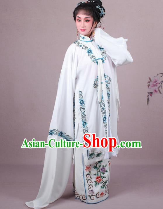 Top Grade Professional Beijing Opera Female Role Costume White Embroidered Cape, Traditional Ancient Chinese Peking Opera Diva Embroidery Clothing