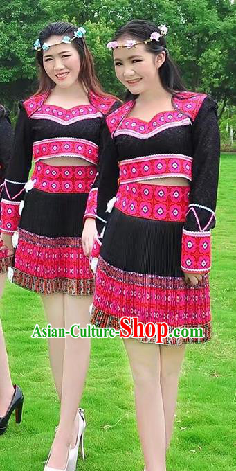 Traditional Chinese Miao Nationality Costume, Hmong Folk Dance Ethnic Black Pleated Skirt, Chinese Minority Nationality Embroidery Clothing for Women
