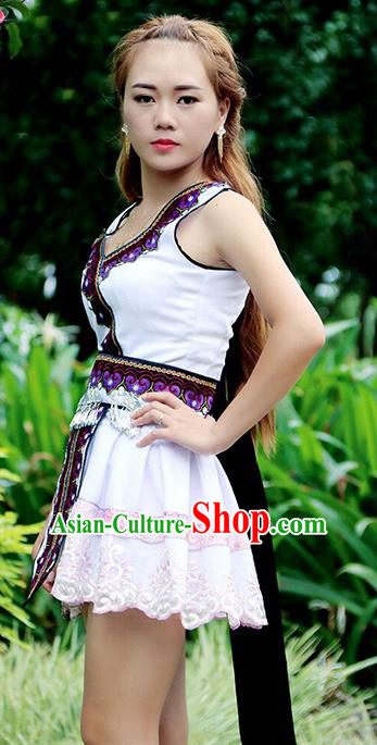 Traditional Chinese Miao Nationality Wedding Costume, Hmong Female Folk Dance Ethnic Dress, Chinese Minority Nationality Embroidery Clothing for Women