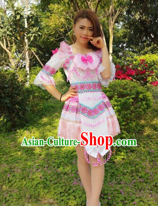Traditional Chinese Miao Nationality Costume, Hmong Folk Dance Ethnic Pink Short Pleated Skirt, Chinese Minority Nationality Embroidery Clothing for Women