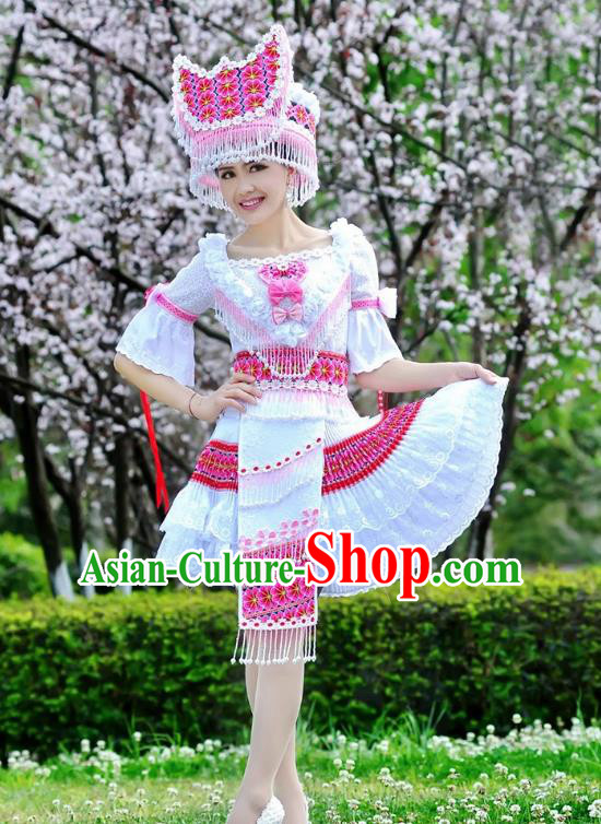 Traditional Chinese Miao Nationality Wedding Costume, Hmong Folk Dance Ethnic White Tassel Short Pleated Skirt, Chinese Minority Nationality Embroidery Clothing for Women
