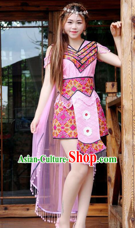 Traditional Chinese Miao Nationality Wedding Costume, Hmong Folk Dance Ethnic Pink Pleated Skirt, Chinese Minority Nationality Embroidery Clothing for Women