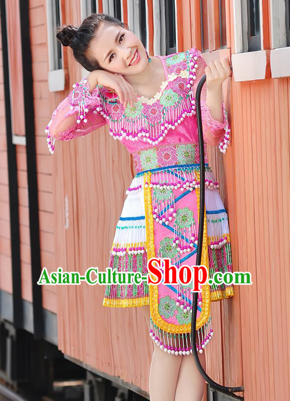 Traditional Chinese Miao Nationality Wedding Bride Costume Pink Tassel Short Pleated Skirt, Hmong Folk Dance Ethnic Chinese Minority Nationality Embroidery Clothing for Women