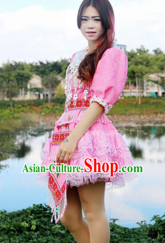 Traditional Chinese Miao Nationality Wedding Bride Costume Embroidered Pink Pleated Skirt, Hmong Folk Dance Ethnic Chinese Minority Nationality Embroidery Clothing for Women