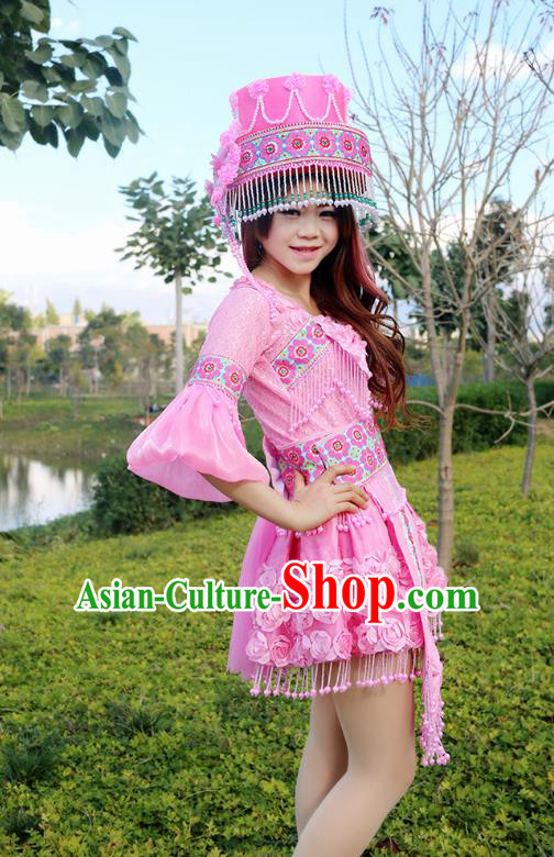 Traditional Chinese Miao Nationality Wedding Mandarin Sleeve Costume Embroidered Pink Pleated Skirt, Hmong Folk Dance Ethnic Chinese Minority Nationality Embroidery Clothing for Women