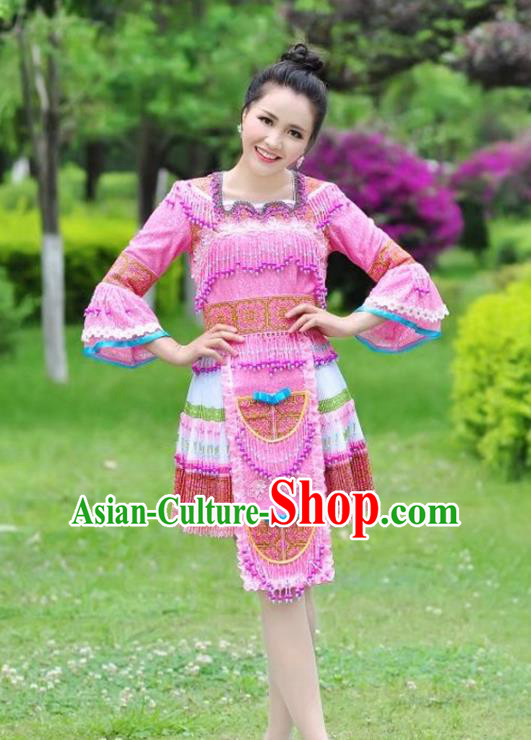 Traditional Chinese Miao Nationality Wedding Bride Costume Pink Pleated Skirt, Hmong Folk Dance Ethnic Chinese Minority Nationality Embroidery Clothing for Women