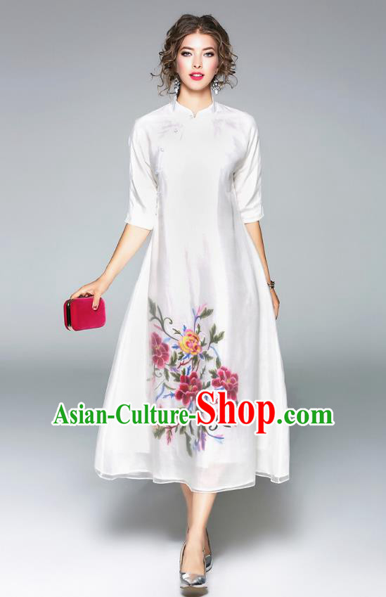 Asian Chinese Oriental Costumes White Cheongsam, Traditional China National Embroidery Chirpaur Dress for Women