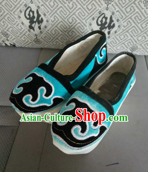 Traditional Chinese Peking Opera Young Men Embroidered Blue Shoes, China Ancient Beijing Opera Niche Cloth Shoes for Men