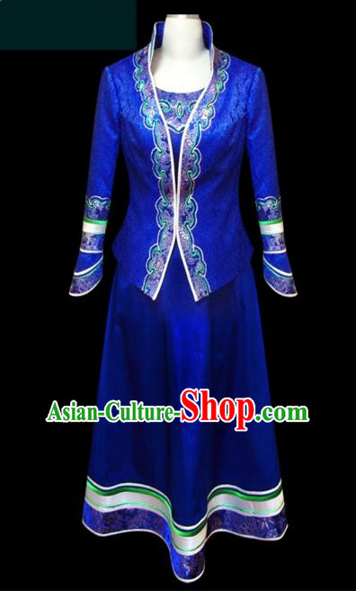 Traditional Chinese Mongol Nationality Dance Costume Blue Mongolian Robe, Chinese Mongolian Minority Nationality Princess Embroidery Clothing for Women