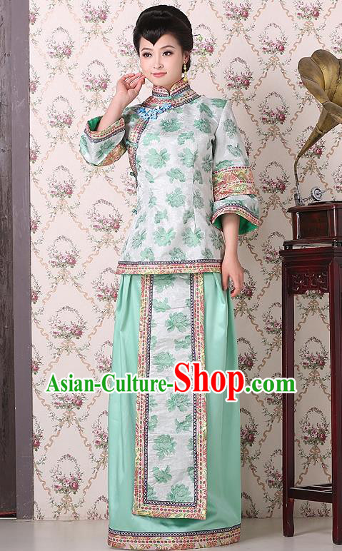 Traditional China Qing Dynasty Nobility Dowager Costume, Chinese Ancient Gentlewoman Embroidery Green Xiuhe Suit Clothing