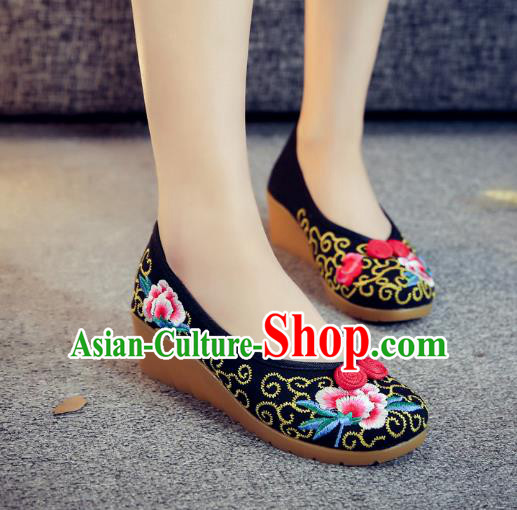 Traditional Chinese National Hanfu Black Embroidered Shoes, China Princess Embroidery Wedge Heel Shoes for Women