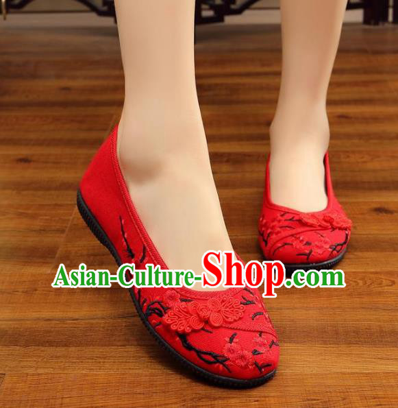 Traditional Chinese National Hanfu Wedding Red Embroidered Shoes, China Princess Embroidery Wintersweet Shoes for Women