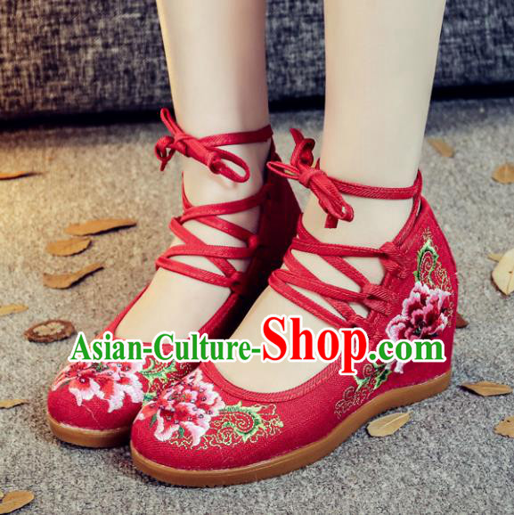 Traditional Chinese National Hanfu Red Wedge Heel Embroidered Shoes, China Princess Embroidery Peony Shoes for Women