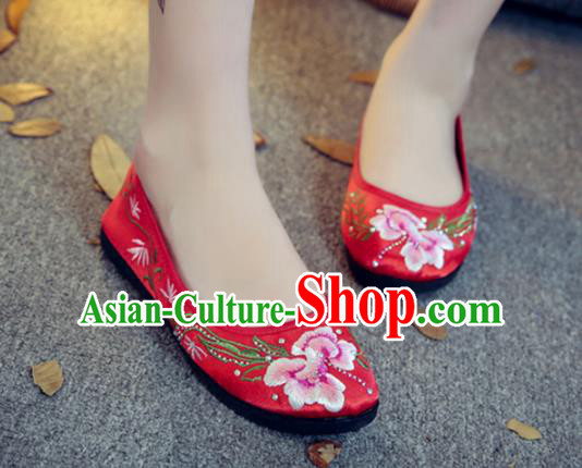 Traditional Chinese National Hanfu Red Satin Embroidered Shoes, China Princess Embroidery Shoes for Women