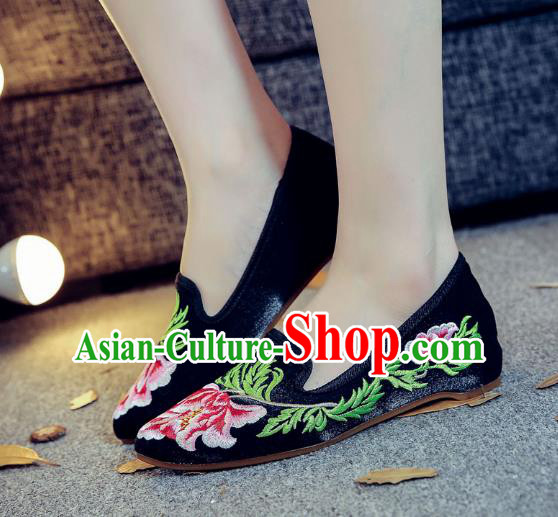 Traditional Chinese National Hanfu Embroidery Peony Shoes, China Princess Black Embroidered Shoes for Women