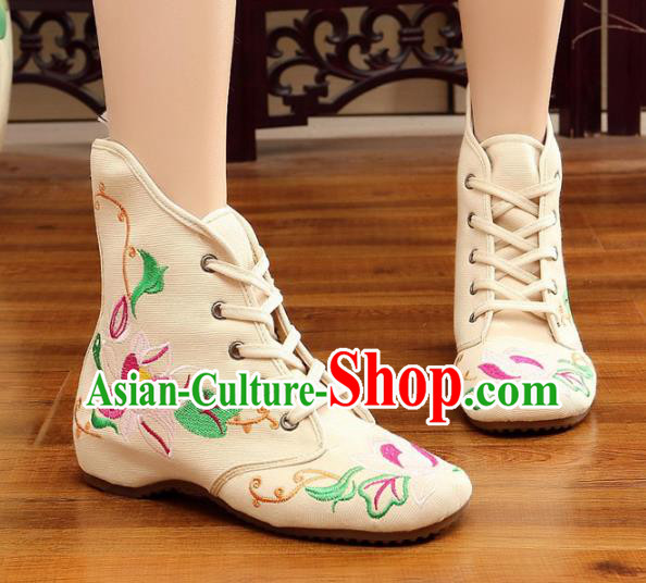 Traditional Chinese National Hanfu Embroidery Flowers White Shoes, China Ancient Embroidered Shoes for Women