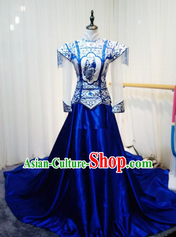 Chinese Style Wedding Catwalks Costume Wedding Bride Embroidered Trailing Full Dress Blue and White Porcelain Cheongsam for Women