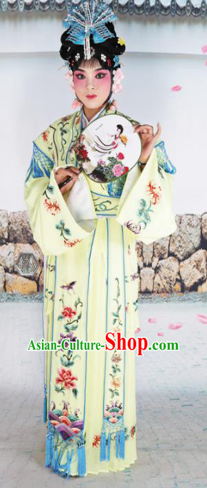 Chinese Beijing Opera Princess Yellow Embroidered Costume, China Peking Opera Actress Embroidery Clothing