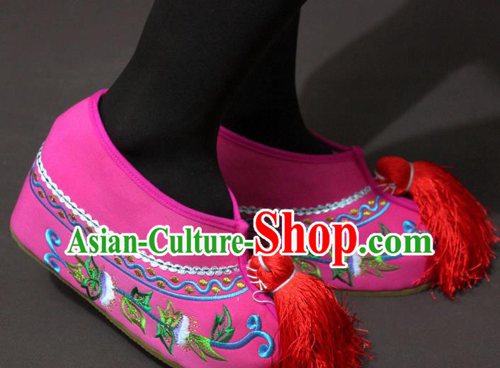Traditional China Beijing Opera Actress Pink Embroidered Shoes, Chinese Peking Opera Diva Blood Stained Shoes