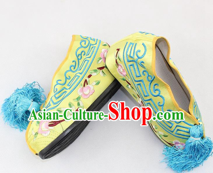 Chinese Traditional Beijing Opera Yellow Blood Stained Shoes Ancient Handmade Princess Embroidered Shoes for Women