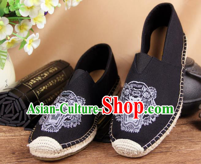 Chinese National Shoes Traditional Black Cloth Shoes Embroidery Tiger Shoes for Men