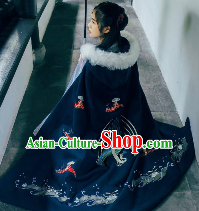 Chinese Traditional Costume Ancient Ming Dynasty Princess Embroidered Black Cloak for Women