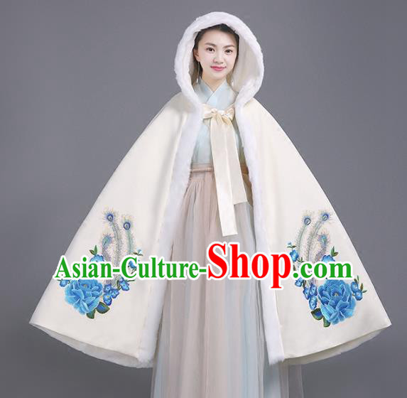 Chinese Traditional Costumes Ancient Hanfu White Woolen Cloak for Women