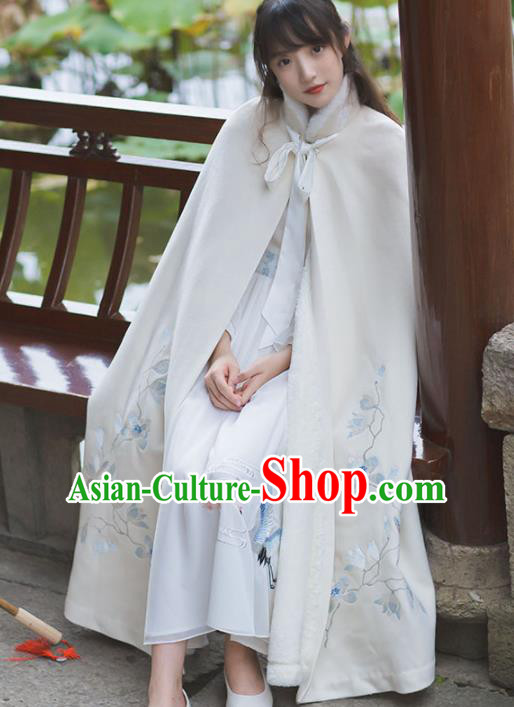 Chinese Traditional Costumes Ancient Princess Hanfu Embroidered White Woolen Cloak for Women