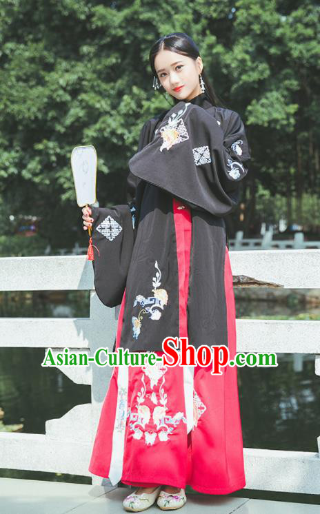 Chinese Ancient Ming Dynasty Princess Hanfu Dress Embroidered Costumes Complete Set for Rich Women