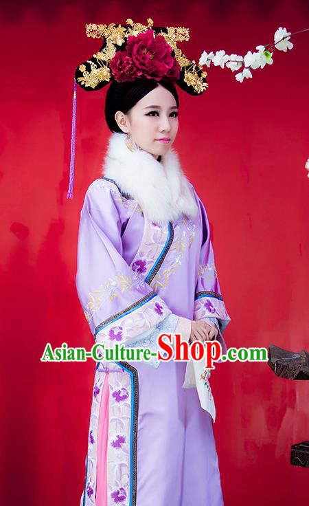 Chinese Traditional Manchu Princess Costumes Ancient Qing Dynasty Palace Lady Embroidered Clothing and Headpiece for Women
