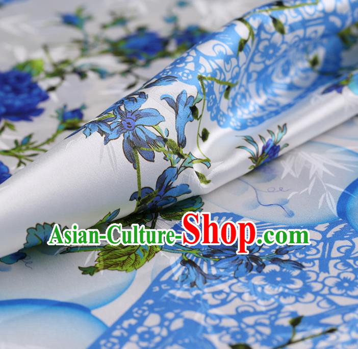 Chinese Traditional White Gambiered Guangdong Gauze Satin Plain Classical Pattern Cheongsam Silk Drapery